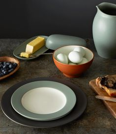Colorwave Chocolate, Green, and Terra Cotta. http://noritakechina.com/collections/colorwave.html #dinnerware #mixandmatch #colorwave #noritake #home #dining