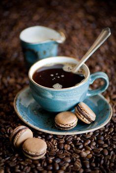 It's Sunday Morning - enjoy a cup o' joe and a macaroon!
