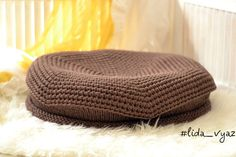 Universal Knitted nest for photo shoots. It is interesting to use in a standard version and instance turning it. This jack / cart / pouf / pillow will help you to realize your creative ideas diameter 50 cm height 15 cm  If you have any questions Id be happy to answer them  Thank you for visiting my store, I will be glad to see you again  Regards Lidia :)   P.S. Dear customers , my English is not good, so am corresponding with the assistance of an interpreter program