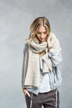This chunky knit scarf is making us swoon!                                                                                                                                                      Mehr