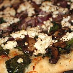 Spinach Mushroom Red Onion Goat Cheese Pizza | Nutmeg Nanny