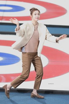 #Yuna Kim #김연아 Ice Skating, Figure Skating, Kim Yuna, Fashion Art, Womens Fashion, Sports Stars, Ice Queen, Celebs, Celebrities