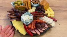 Snack Trays, Food Platters, Charcuterie Recipes, Charcuterie Board, Fathers Day Lunch, Food Centerpieces, Cheese Table, Antipasto Platter, Cheese Snacks
