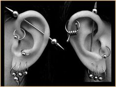 the industrial piercing is a gauged piercing that goes through the upper part of you ear twice. this piercing can be difficult to get just because of the gauged needle. Tragus, Fake Cartilage Piercing, Back Piercings, Piercing Tattoo, Body Piercing, Double Cartilage, Piercings Rook, Tongue Piercings, Cartilage Earrings