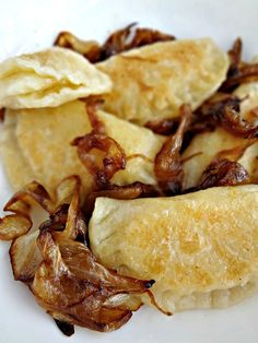 Homemade Cheddar Pierogi {with Caramelized Onions}