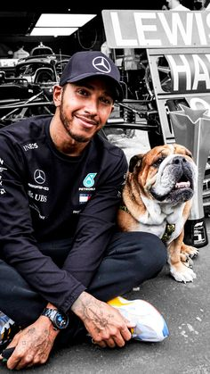 Lewis Hamilton Twitter, F1 Hamilton, Lewis Hamilton Formula 1, Dr World, Ricciardo F1, F1 Motor, Champions Of The World, Still I Rise, Mens Toys