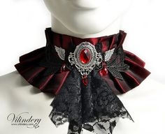 Red fabric choker with black jabot and wings - Steampunk Victorin fantasy…