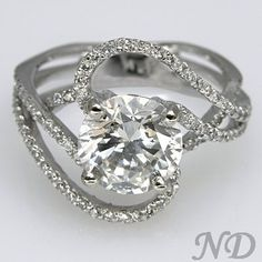 This might be the kind of engagement ring I would wear everyday!