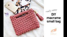 [깃들 마크라메]Stoffgarnbeutel (Makrameebeutel ordentlich) – Top Of The World Macrame Purse, Macrame Knots, Yarn Bag, Diy Tote Bag, Diy Handbag, Macrame Design, Macrame Tutorial, Macrame Projects, Macrame Patterns