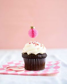 Honeycomb Ornament Cupcake Toppers DIY   Oh Happy Day!   Bloglovin'