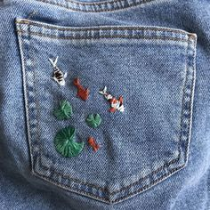 Swipe to see some pics! Shoutout to my best gal For introducing me to embroidery 🧵 love you! Would you guys like more DIY artsy… Look Fashion, Diy Fashion, Ideias Fashion, Fashion Outfits, Painted Jeans, Painted Clothes, Diy Clothing, Custom Clothes, Customised Clothes