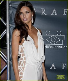 Adriana Lima .. love her hair color