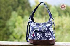 giovanna BAG Pearls deep sea Babywearing, Deep Sea, Diaper Bag, Pearls, Bags, Fashion, Handbags, Moda, Fashion Styles