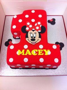 Minnie Mouse 1st birthday cake #houseofcakesessex