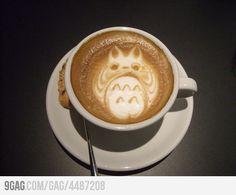 Arte de Totoro en el café