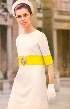 60s Fashion. If I ever actually went to some fancy event I would so wear something like this ☺