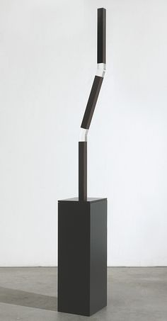 Vera Röhm (plexiglass and aluminum)