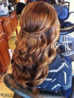 cabello semirecogido pelo largo