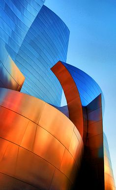 Frank Gehry's Walt Disney Concert Hall #arquitectura #color #architecture…