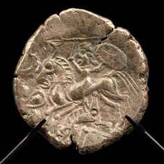 Hoard of Celtic coins | ... : discovery of a Celtic coin hoard - Preventive Archaeology in France