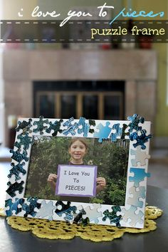 My Handmade Mother's Day Gift A jigsaw puzzle frame. The perfect handmade Mother's Day or Father's Day gift from kids. Daddy Day, Mom Day, Classroom Crafts, Preschool Crafts, Art For Kids, Crafts For Kids, Kids Diy, Diy Crafts, Puzzle Frame