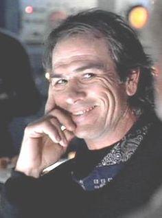 Tommy Lee Jones, Demolition Man, Old Movie Stars, Popular People, Gary Oldman, Director, Celebs, Celebrities, Good Looking Men