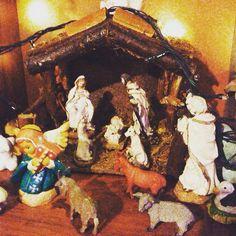 Que Dios bendiga sus hogares y los llene de sabiduría y para los que no creen en la Navidad y el@fantástico nacimiento de Jesús que sea un motivo de reencuentro con la familia y amigos. Son los deseos de Nicky y Lou de placeOK #placeok #travelbloggers #christmas #holidays #tistheseason #holiday #instagood #happyholidays #elves #lights #carols #photooftheday #love #xmas #red #green #christmastree #family #jolly #snow #merrychristmas
