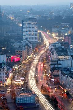 Verwandlungskünstlerin: die Hamburger Reeperbahn Hamburg Germany, Austria, Letting Go, Times Square, Scenery, Skyline, Landscape, City, Pictures