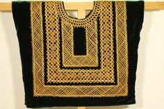 Huipil mexicano: blusa de tehuana hecha a mano con cadenilla dorada sobre terciopelo verde/ prenda tradicional de Oaxaca, Mexico, Frida Kalo by CadenillayFlores on Etsy