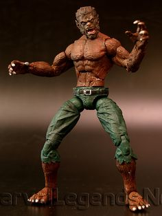 Marvel Legends Monsters Gift Pack Werewolf By Night // Pinned by: Marvelicious Toys - The Marvel Universe Toy & Collectibles Podcast [ m a r v e l i c i o u s t o y s . c o m ]