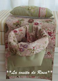 La casita de Rosa: Porta tijeras y Alfiletero con tira hilos. Landscape Quilts, Patchwork Bags, Couture, Baby Car Seats, Bean Bag Chair, Sewing Projects, Shabby Chic, Crafty, Crochet