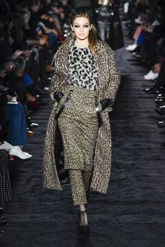 Max Mara Fall 2018 Ready-to-wear Fashion Show Collection