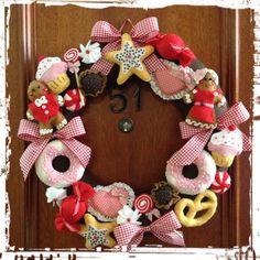 """""""Guirlanda de Natal Docinhos"""" - """"Christmas wreath"""" (by Patricia Wong Carneiro)"""