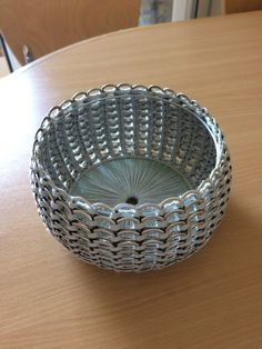 1 million+ Stunning Free Images to Use Anywhere Soda Tab Crafts, Can Tab Crafts, Bottle Cap Art, Bottle Top, Origami Pencil Holder, Pop Can Tabs, Soda Tabs, Aluminum Cans, Crochet Table Runner