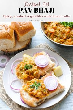 Mumbai pav bhaji is a very popular Indian street food. Made with mixed vegetables, butter and spices, it is out-of-this world delish and totally addictive! Indian Potato Recipes, Indian Food Recipes, Vegetarian Recipes, Cooking Recipes, Thai Street Food, Indian Street Food, Paneer Dishes, Bhaji Recipe, Pav Bhaji