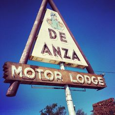 Old motel sign on Route 66 in Albuquerque, New Mexico.
