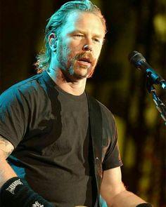 James Hetfield of Metallica. St.Anger years . . . . #jameshetfield #jaymz #papahet #jameshetfieldfans #jameshetfieldlovers #jameshetfieldfan #metallica #metallicafan #metallicafans #metallicafamily #metalhead #metalheads #longlivemetal #legendaryband #metal #metalmusic #heavymetal #thrashmetal #stanger #saintanger #unnamedfeeling #somekindofmonster #somekindamonster