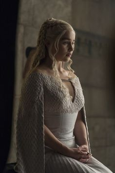 Khaleesi Daenerys Targaryen, Game of Thrones Game Of Thrones Photos, Costumes Game Of Thrones, Game Of Thrones Funny, Game Costumes, Costume Ideas, Daenerys Targaryen Dress, Emilia Clarke Daenerys Targaryen, Game Of Throne Daenerys, Khaleesi
