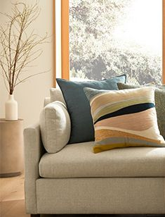 Pillows + Decor Tree Stump Side Table, Mid Century Bed, Oversized Furniture, Metal Canopy, Kiln Dried Wood, Pottery Barn Teen, Wood Veneer, West Elm, Engineered Wood