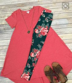 LuLaRoe Outfit Carly and Rose Leggings. I have this outfit! Legging Outfits, Leggings Fashion, Lula Outfits, Fashion Outfits, Spring Summer Fashion, Spring Outfits, Spring Style, Leggings Mode, Cheap Leggings