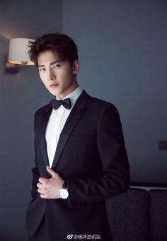 Farheen like 👍 Most Beautiful Faces, Beautiful Boys, Pretty Boys, Yang Chinese, Chinese Boy, Jung So Min, Asian Actors, Korean Actors, China