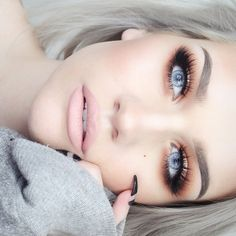Flawless look by talented Samantha of Batalash using Makeup Geek's Peach Smoothie eyeshadow.