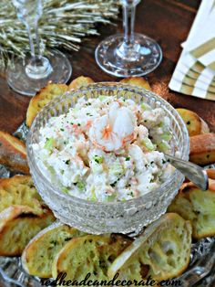 Lobster Salad Appetizer Toasts are the perfect appetizer for any occasion, especially New Year's Eve. You can substitute the lobster for crab, tuna, or chicken! Lobster Appetizers, Tomato Appetizers, Lobster Recipes, Appetizer Salads, Best Appetizers, Seafood Recipes, Appetizer Recipes, Appetizer Ideas, Fish Recipes