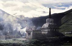 Chorten, Tibet 2003 (Foto: Erik Törner) by eriktorner, via Flickr