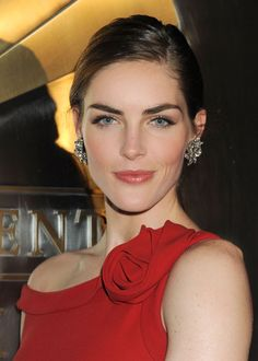 "As seen on: Hilary Rhoda How-to: ""The trick to a radiant rosy complexion is to find one product that does it all. Estée Lauder's illuminating blush is goof-proof option that fuses the best of powder, gel, and liquid formulas all in one. For a natural lit-from-within sheen, blend it well on the apples of your cheeks."" Editor's pick: Estée Lauder Pure Color Illuminating Powder Gelée Blush in Tease, $40.   - HarpersBAZAAR.com"