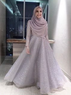 23 Ideas Dress Bridesmaid Hijab Brokat Source by . 23 Ideas Dress Bridesmaid Hijab Brokat Source by dress Hijab Prom Dress, Muslimah Wedding Dress, Hijab Style Dress, Hijab Wedding Dresses, Modest Dresses, Hijab Chic, Wedding Abaya, Dress Muslimah, Hijab Gown