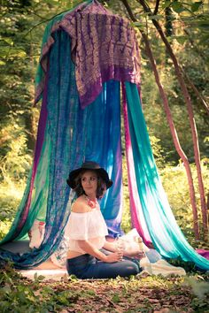 The bohemian look throws all the interior decorating rules out the window. When you embrace boho home decor, you get to decorate however you want. Bohemian Bedding, Boho Curtains, Beaded Curtains, Canopy Curtains, Gypsy Bedroom, Bed Canopies, Rustic Bedding, Modern Bedding, Dream Bedroom