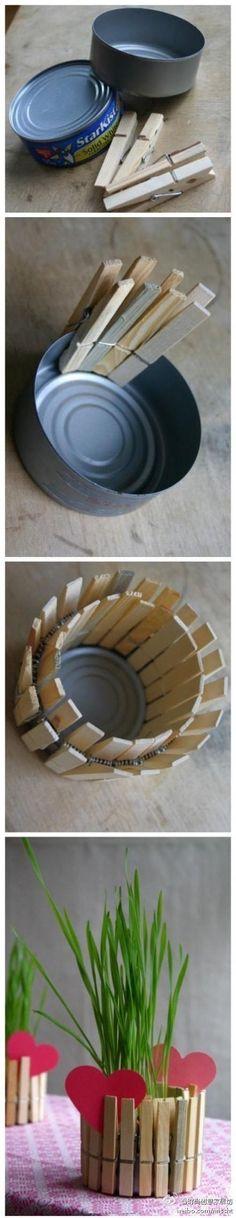 vaso con mollette da bucato