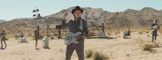 Everything Now el nuevo video de Arcade Fire nos lleva de paseo por un desierto en llamas