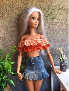 Fashion Dolls Couture - Unlimited: Chatting with friends - Made to Move Barbie - vakur Sewing Barbie Clothes, Barbie Dolls Diy, Barbie Clothes Patterns, Doll Dress Patterns, Clothing Patterns, Barbie Barbie, Barbie Model, Skirt Patterns, Diy Doll